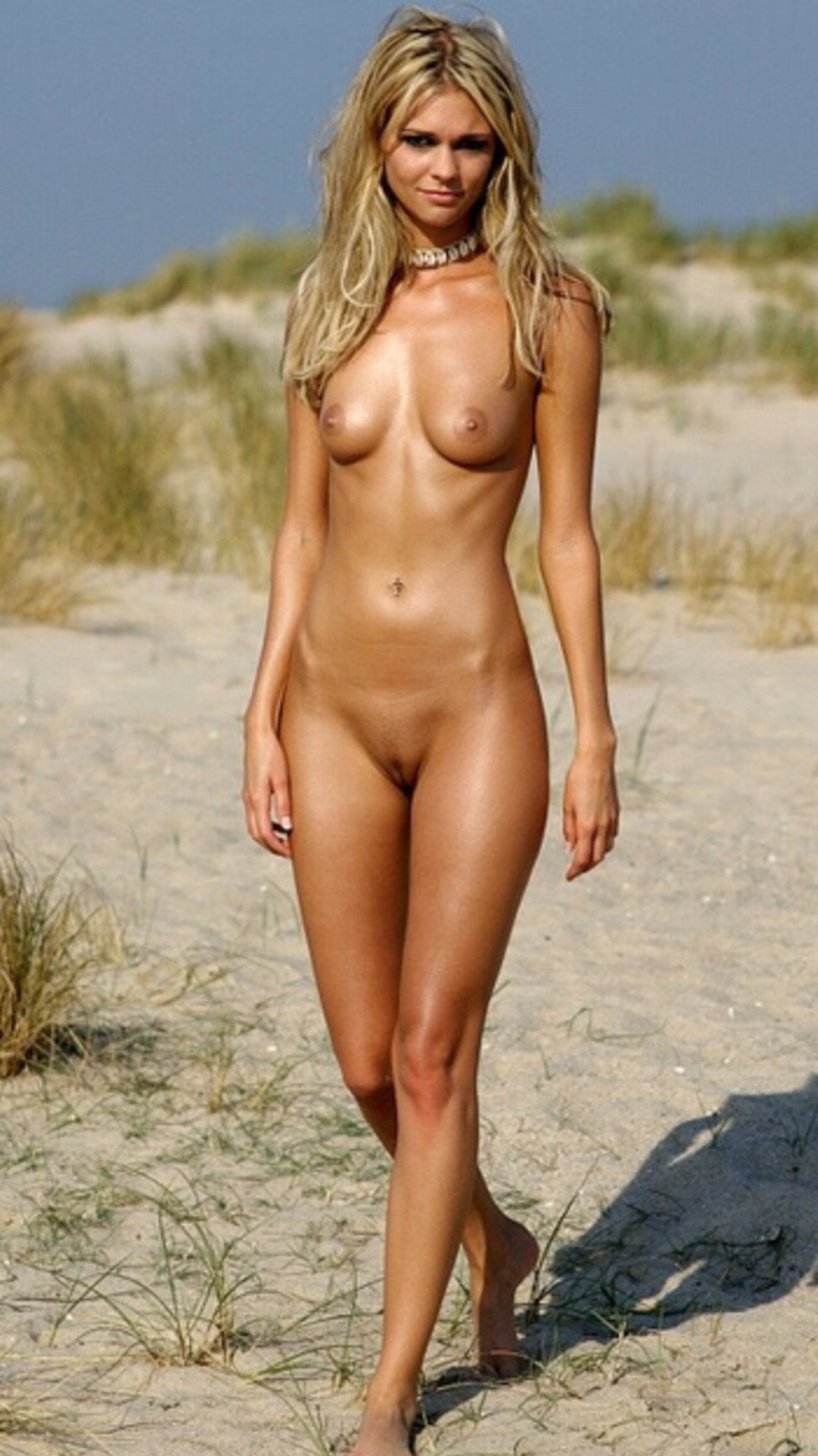 naked blonde hotties