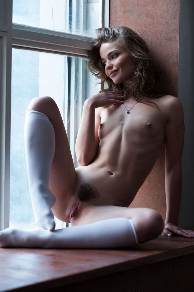 gorgeous naked girls knee high