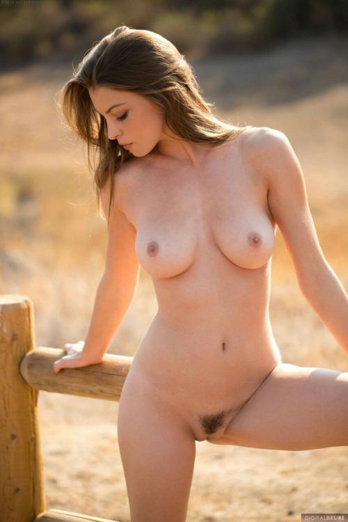 Latina tits spreading legs