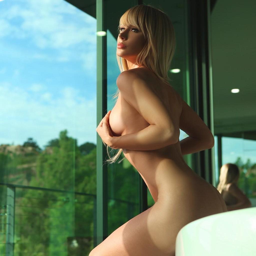 super hot naked girl