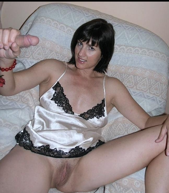 dick in milfs hand