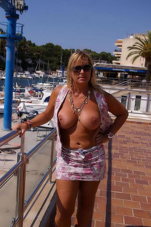 topless public milf
